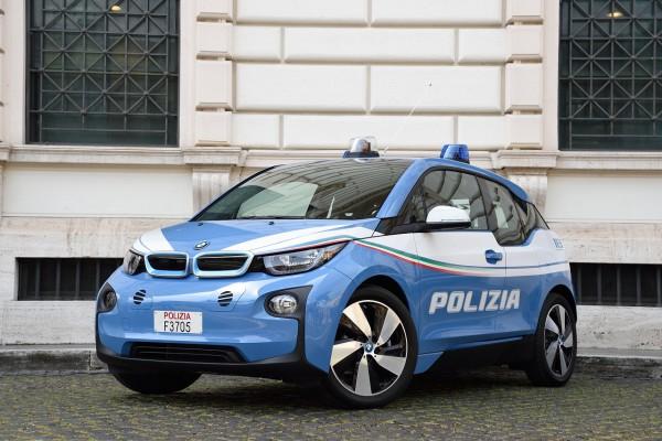 NewCarz-BMW-i3-08