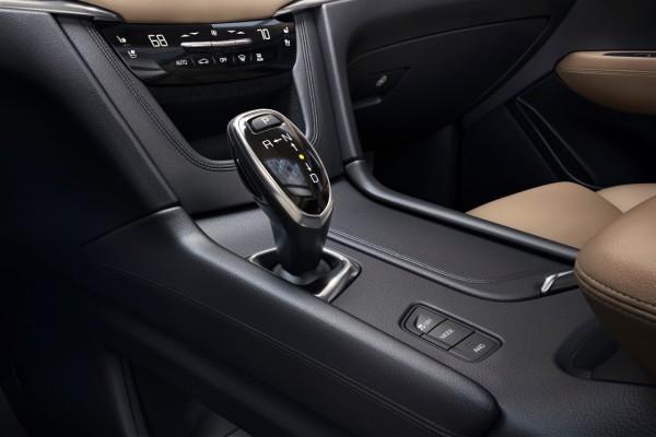 NewCarz-Cadillac-XT5-07