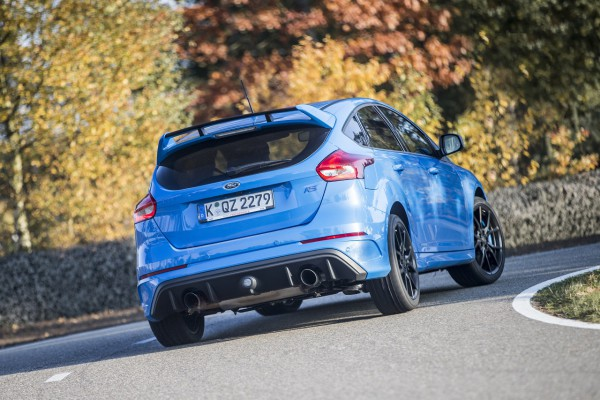 NewCarz-Ford-Focus-RS-03