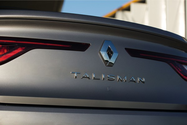NewCarz-Renault-Talisman-09