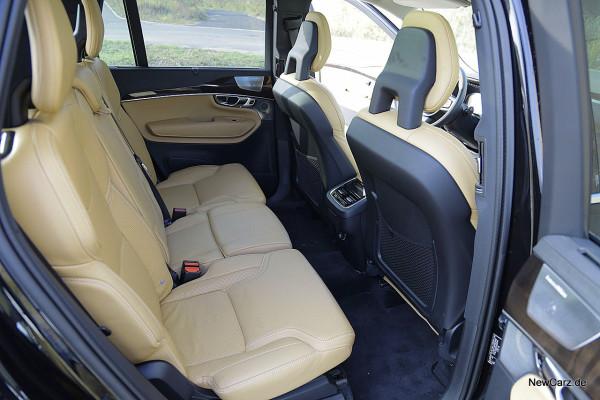 NewCarz-Volvo-XC90-2015 (32)