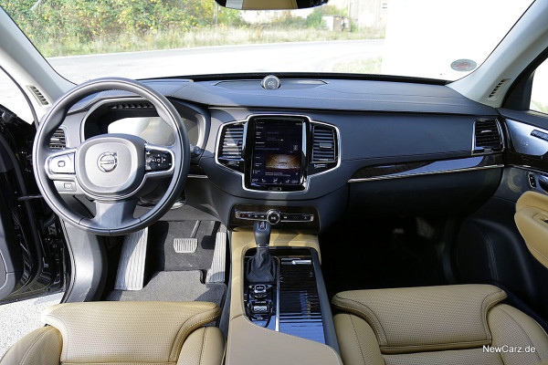 NewCarz-Volvo-XC90-2015 (33)
