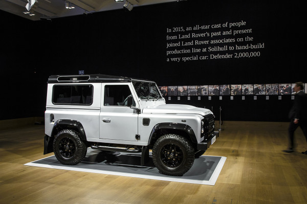 NewCarz-Land-Rover-Defender-2016-4
