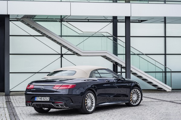 Mercedes-AMG S 65 Cabrio, Exterieur: Anthrazithblau exterior: anthracite blue, fabric soft top beige