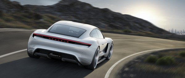 NewCarz-Porsche-Mission-E-02