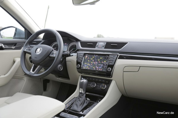 NewCarz-Skoda-Superb-Lim-11