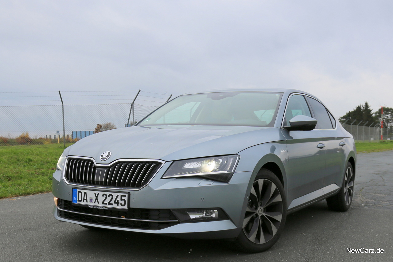 Skoda Superb Lim-28