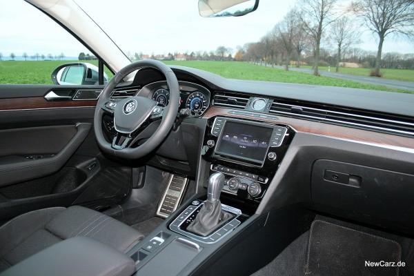 1-NewCarz-VW-Passat-Alltrack-17