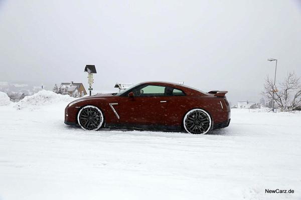 NewCarz-Nissan-GTR (7)