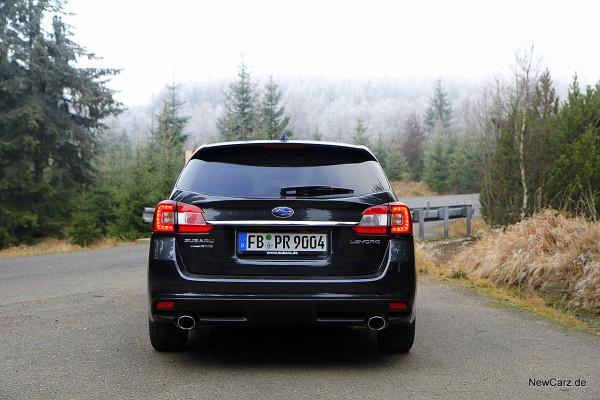 NewCarz-Subaru-Levorg (26)