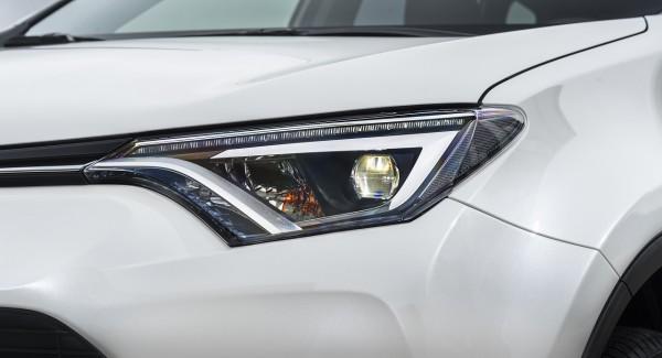 NewCarz-Toyota-RAV4-06