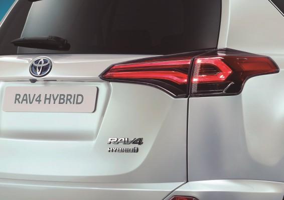 NewCarz-Toyota-RAV4-09