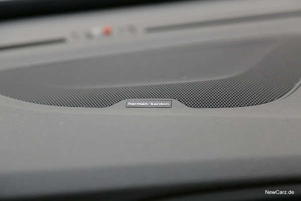 NewCarz-Volvo-V60-D6 (10)
