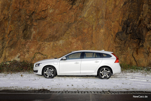 NewCarz-Volvo-V60-D6 (24)
