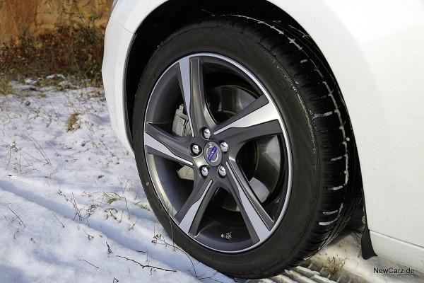 NewCarz-Volvo-V60-D6 (27)
