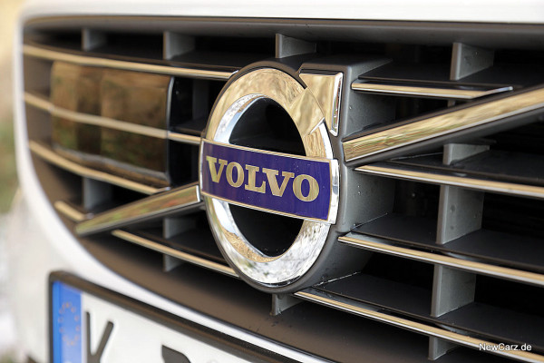 NewCarz-Volvo-V60-D6 (31)
