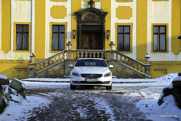 NewCarz-Volvo-V60-D6 (38)