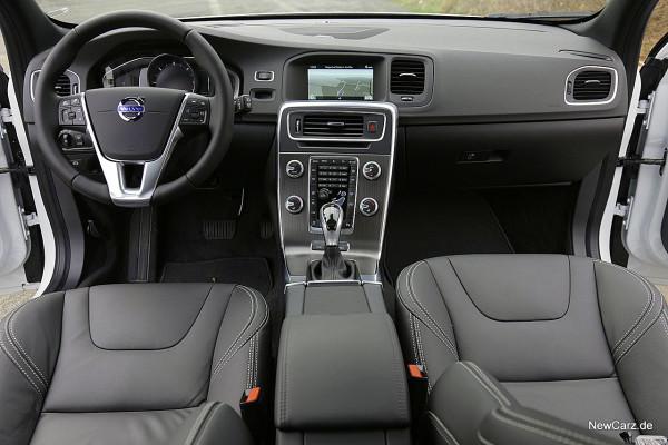 NewCarz-Volvo-V60-D6 (49)