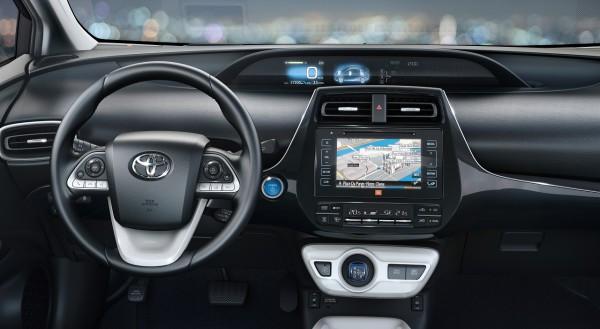 NewCarz-Toyota-Prius-06