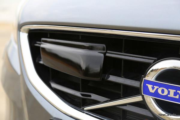 NewCarz-Volvo-V40-2016 (24)