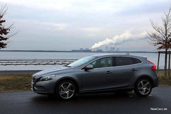 NewCarz-Volvo-V40-2016 (36)