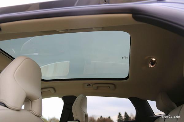 NewCarz-Volvo-V40-2016 (41)