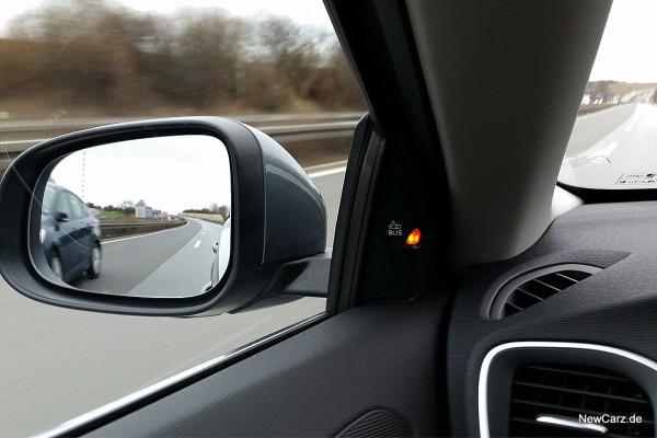 NewCarz-Volvo-V40-2016 (58)