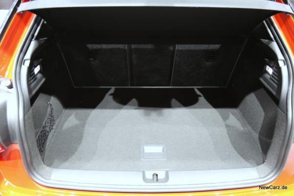 NewCarz-Audi-Q2-04