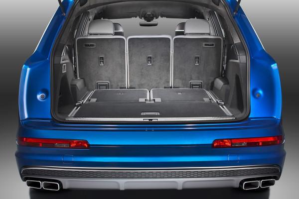 NewCarz-Audi-SQ7-TDI (6)