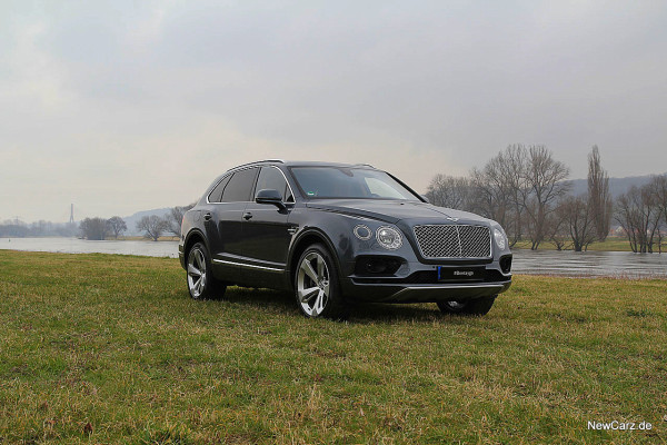 NewCarz-Bentley-Bentayga (14)