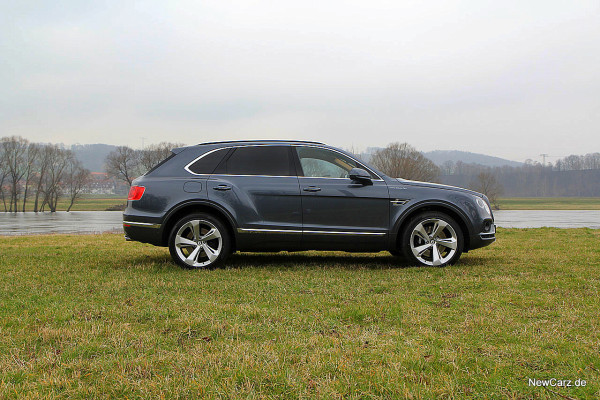 NewCarz-Bentley-Bentayga (15)
