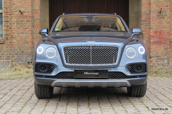 NewCarz-Bentley-Bentayga (41)