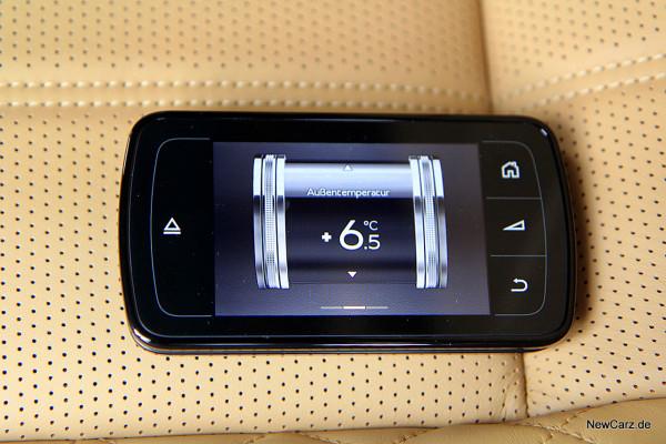 NewCarz-Bentley-Bentayga (48)
