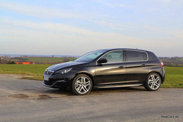 NewCarz-Peugeot-308-GT (48)