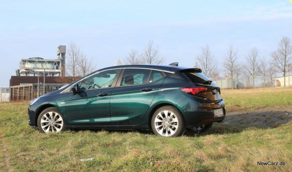 NewCarz-Opel-Astra-FB-02