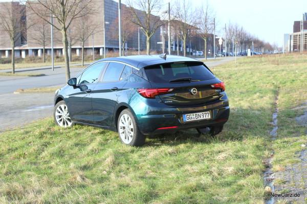 NewCarz-Opel-Astra-FB-03