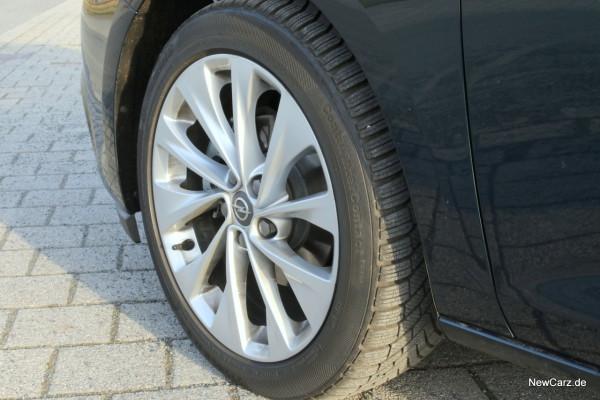 NewCarz-Opel-Astra-FB-07