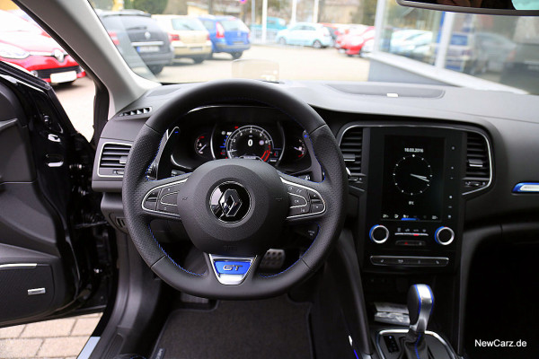 NewCarz-Renault-Megane-GT (1)