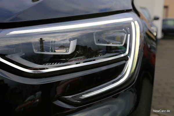 NewCarz-Renault-Megane-GT (17)