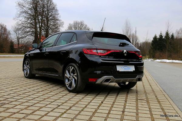 NewCarz-Renault-Megane-GT (18)