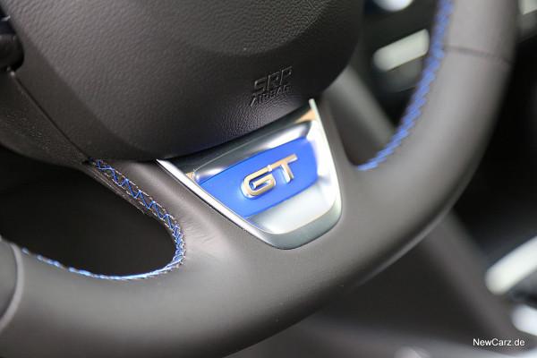 NewCarz-Renault-Megane-GT (8)