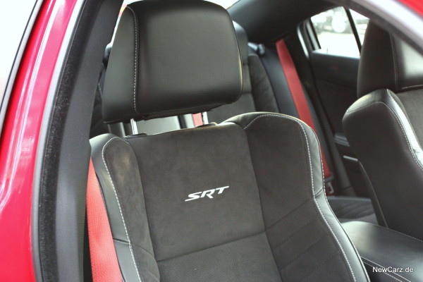 NewCarz-Dodge-Charger-SRT-08
