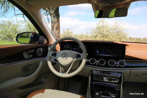 NewCarz-Mercedes-Benz-E-Klasse-Interieur