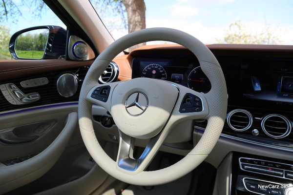 NewCarz-Mercedes-Benz-E-Klasse-Lenkrad