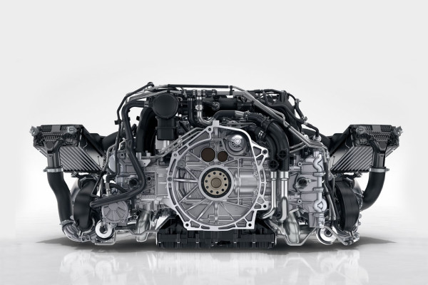 NewCars-Porsche-B6-T-Engine