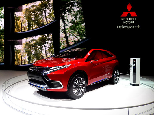 NewCarz-Mitsubishi-Concept-XR-PHEVII