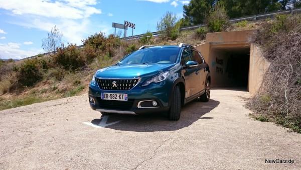 NewCarz-Peugeot-2008-08