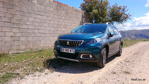 NewCarz-Peugeot-2008-11
