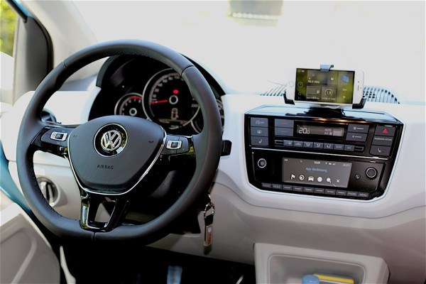 NewCarz-VW-Up!-FB-09