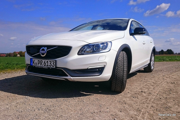 NewCarz-Volvo-V60-Cross-Country-06